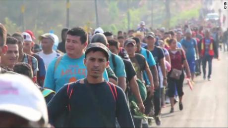 180402002659-mexico-migrant-caravan-large-tease